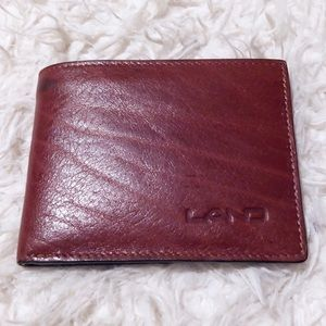 Land rich brown leather wallet!